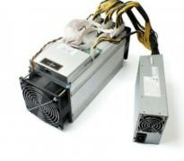 Selling Bitmain Antminer S9 14th with PSU/ Chat +17622334358
