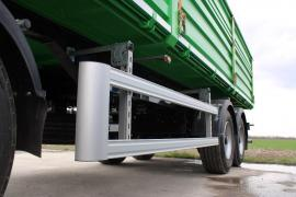 Semi-trailers and agricultural. trailers Bonum